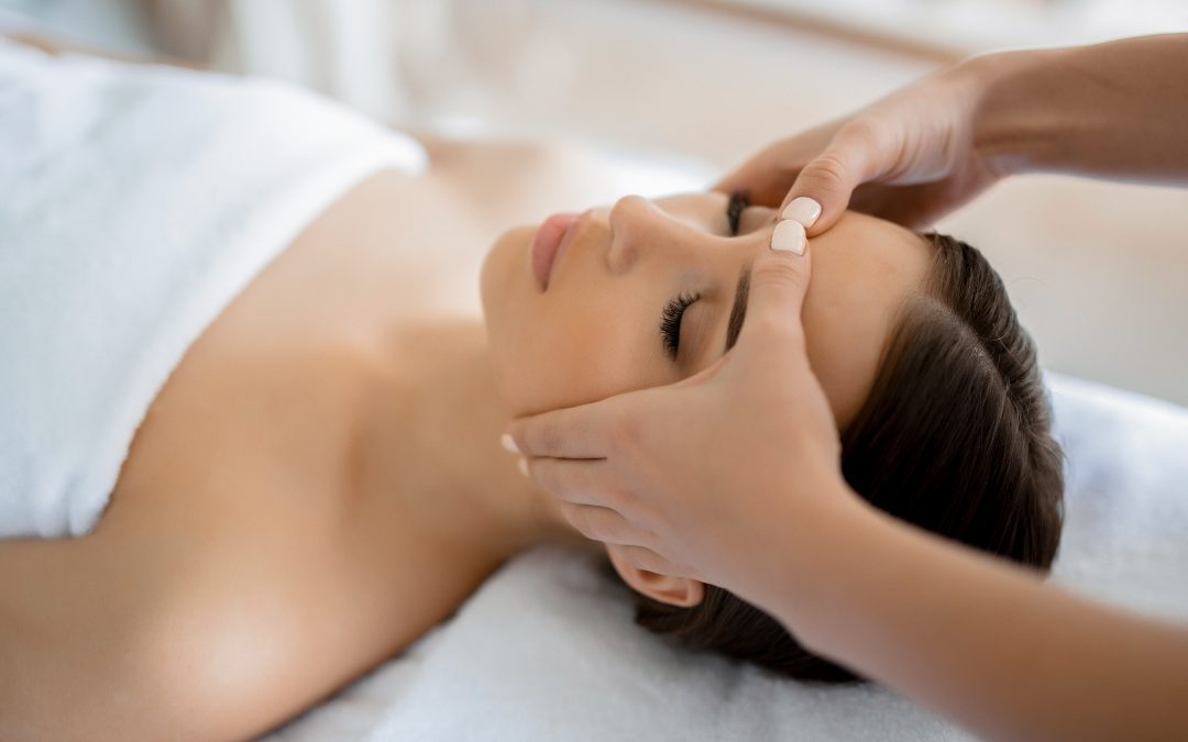 Holistic facial therapist Deborah Phillips shares her tips and tricks!